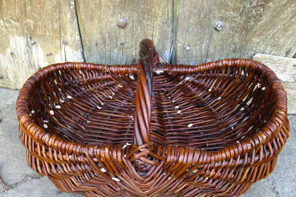 Comment fabriquer un panier en osier - Comment habiller un berceau en osier ...